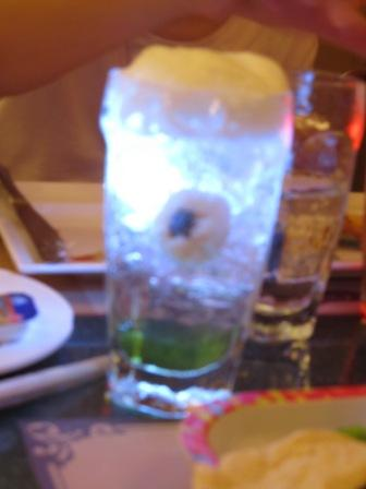 BOO...Did that eye ball scare you?  It was made of lychee and blueberry.  Very clever in using Chinese ingredients in presentation, huh? The light in the drink flashed continuously.  Can you imagine how it looks like in a dark room?  S.C.A.R.Y....
