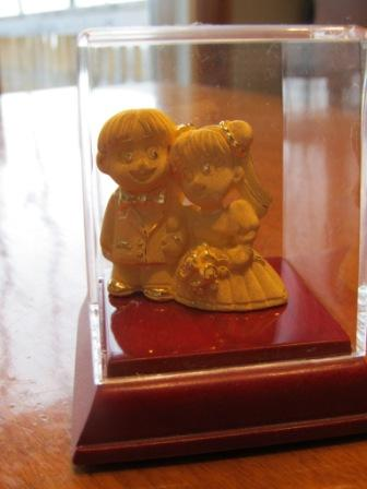 A gift for newly wed made of 24 carat gold.  It's quite a nice idea, huh?