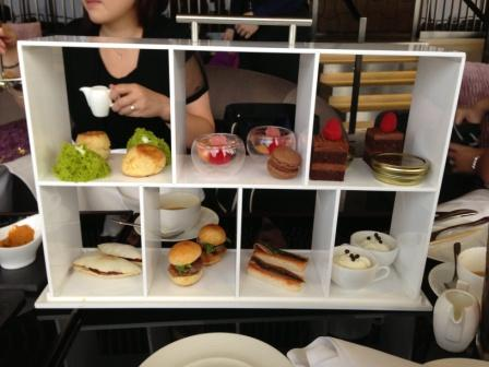What do you think about this fancy tray of Hong Kong high tea food?  Gorgeous, isn't it?